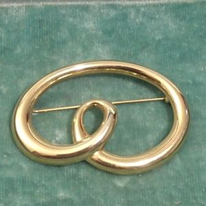 Vintage Monet gold tone Brooch